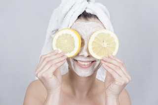lemons on eyes to heal acne scars