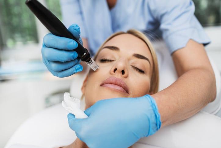 woman receiving cosmetic dermatology